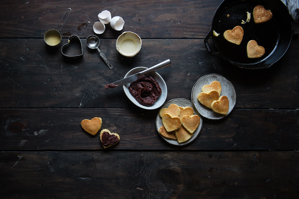 red bean & almond dorayaki | two red bowls