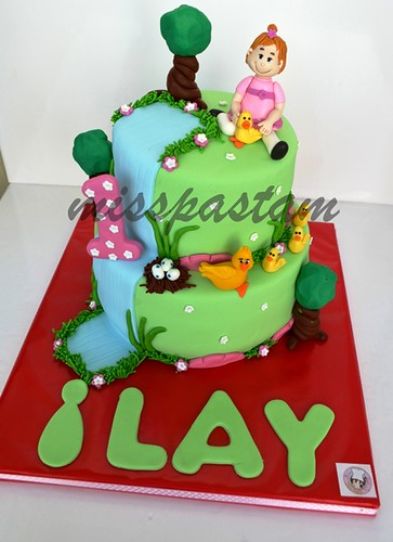 İlay Birthday cake by MİSSPASTAM