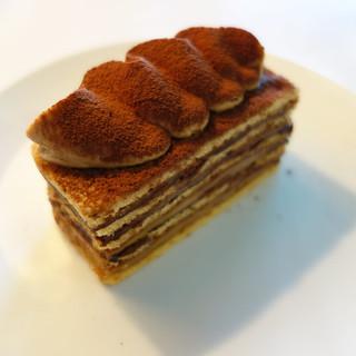 d&department Shizuokaの週替りケーキ、「ラムカスタードキャラメル」。