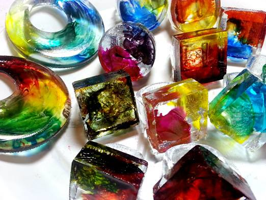 Studion Bohemia resin rings & pendants