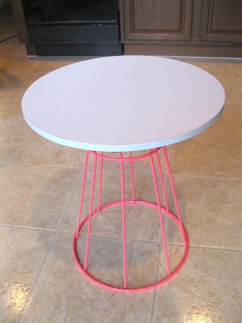 before side table pink