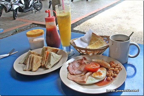 Big Bens English Breakfast @ Waterfall Road - Our Order