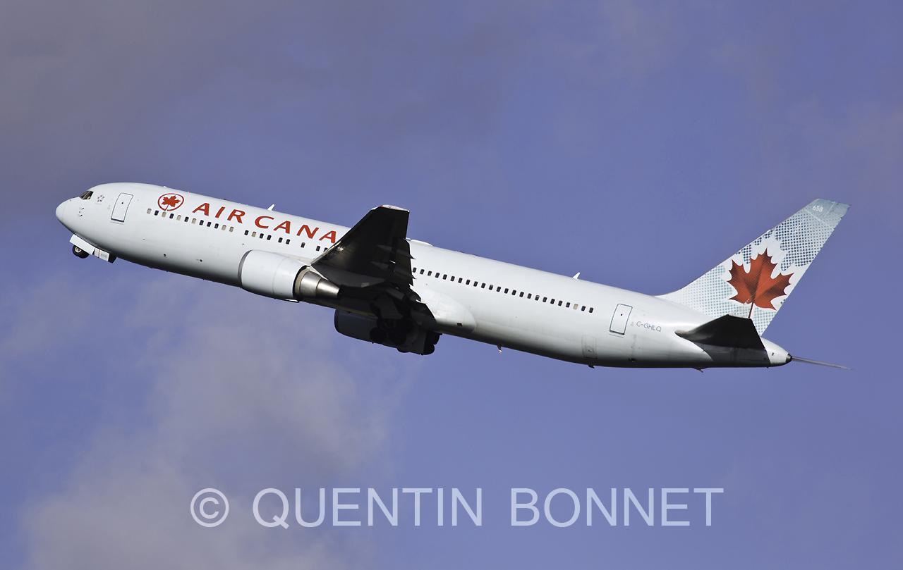 Air Canada Boeing 767-333(ER) C-GHLQ