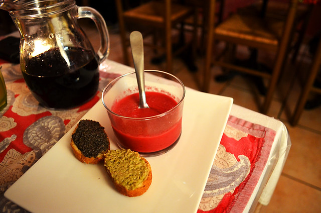 Beetroot coulis, Aux Deux Anges, Forcalquier, Provence, France