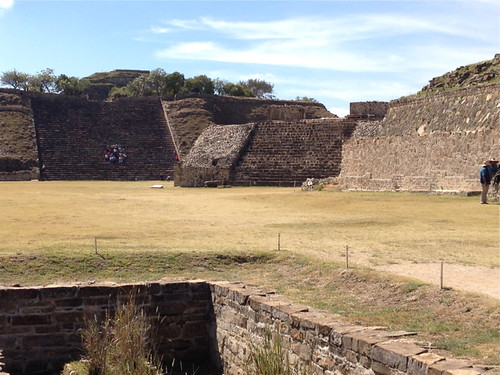 Monte Alban - altar (foreground) and Platforma Sur