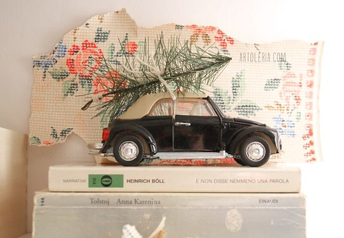 vintage car and the Christmas tree