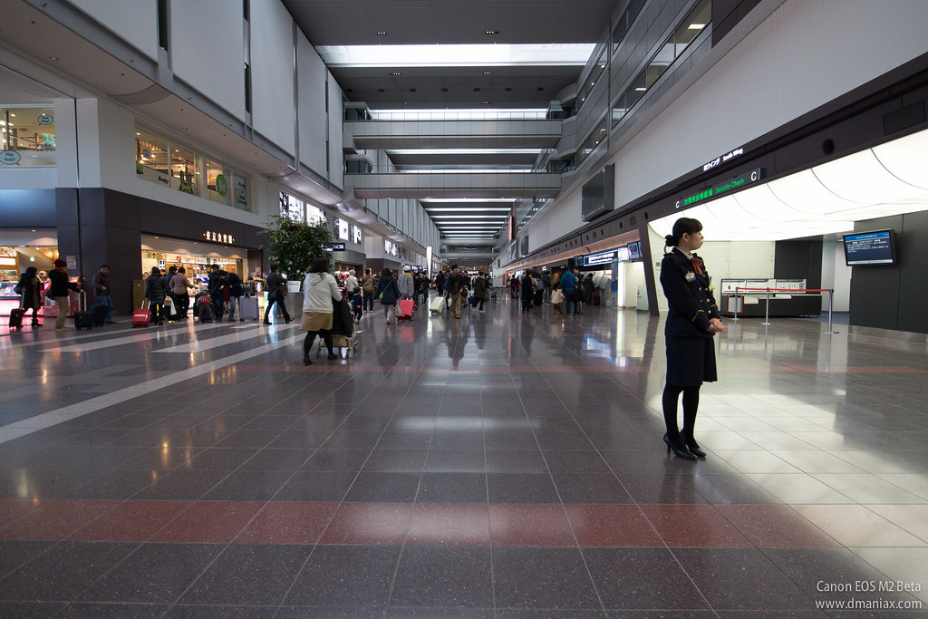 EOS M2 on HANEDA Airport