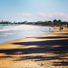 The beach near our hotel. #qld #honeymoon