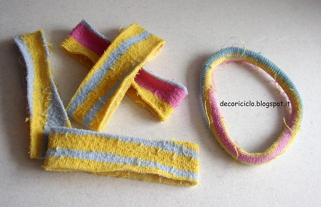 riciclo calzini bracciali ed elastici per capelli 2
