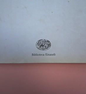 Roland Barthes, Variazioni sulla scrittura. Einaudi 1999. [Responsabilità grafica non indicata]. Copertina (part.), 2