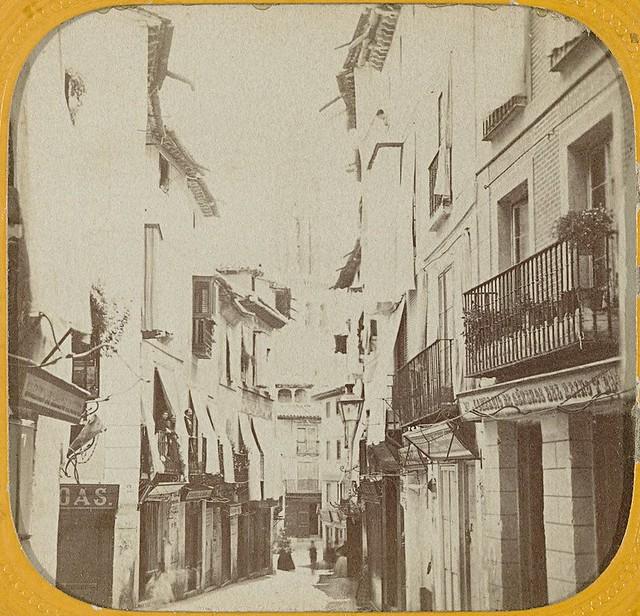 Calle ancha en 1863 fotografiada por Ernest Lamy