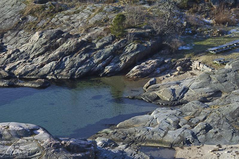 Seichtes Wasser an der Schärenküste