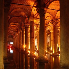 The forgotten underground #Cistern from the 6th century and revived only in 1985. You can hear  the ethereal sound of dripping water. It lies below a real basilica near #hagiasofia in #sultanamet #Istanbul #Byzantine #architecture #wanderlust