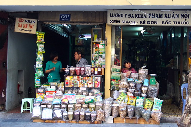 shopkeepers, Hanoi, Vietnam