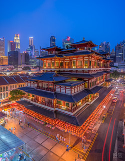 Buddha Tooth Relic Temple Lights Up