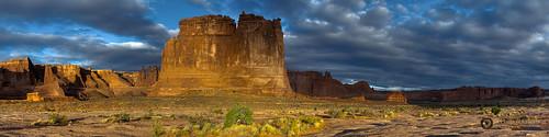 panorama clouds sunrise dawn landscapes utah us sandstone rocks anp skies unitedstates scenic moab geology archesnationalpark deserts naturephotography threegossips landscapephotography pentaxk3 fingolfinphoto philipesterle courthosetowers