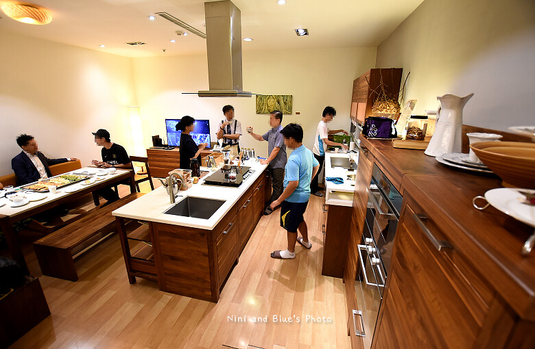 台中環中路家具沙發廚具系統櫃傢櫥周旻虹畫展31