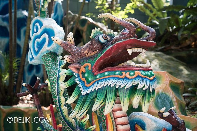 Haw Par Villa - colourful dragon