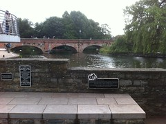 Photo of Southern Stratford Canal and Elizabeth Bowes-Lyon (The Queen Mother) black plaque