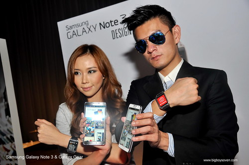 Samsung Galaxy Note 3 and Galaxy Gear 9
