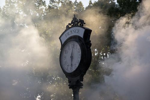 sun clock fog williamsburg amusementpark themepark buschgardens