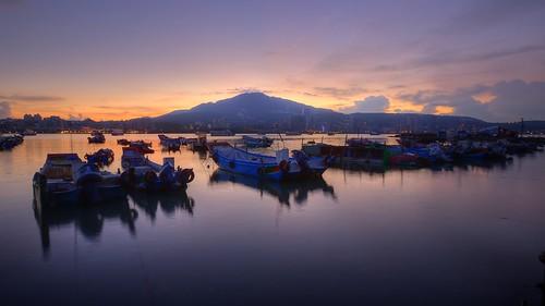 燁 The essence of flame ~ Dawn of 八里,Bali  Ferry Station~