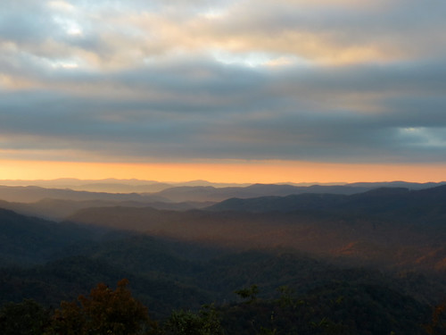 sunrise landscape northcarolina blueridgeparkway westernnorthcarolina southernappalachians grandviewoverlook canonpowershotsx40hs