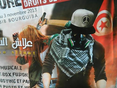 Manifesti nelle strade di Tunisi