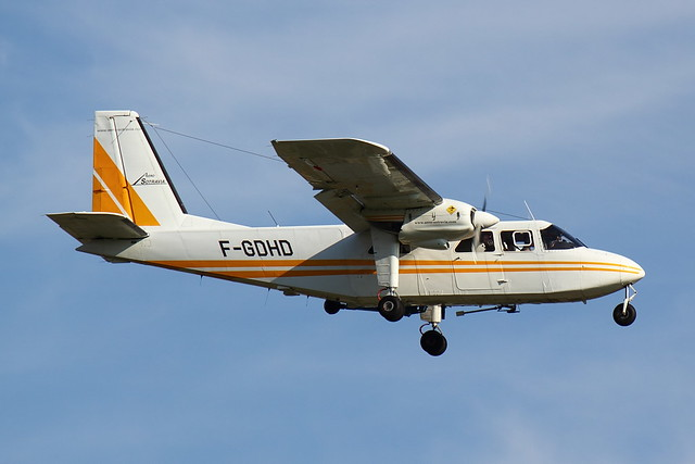 Aero-Sotravia - BN2P - F-GDHD (1)