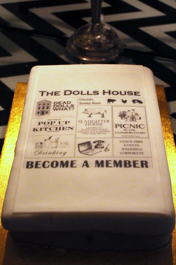 Dead dolls house (6)
