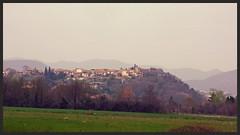 Vue sur la colline de Montmoirac