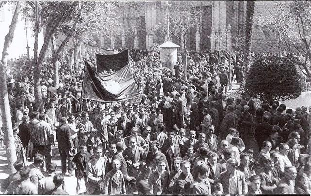 Proclamación de la II República en Toledo, el 14 de abril de 1931 (c) Fondo Rodríguez. Archivo Histórico Provincial. JCCM. Signatura Album4-1428