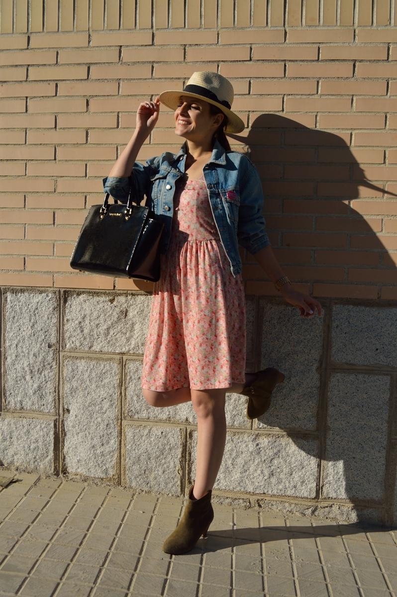 lara-vazquez-madlula-blog-hat-dress-wear-less