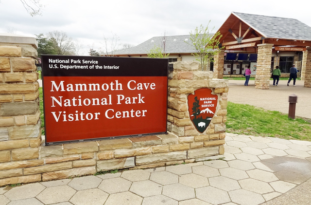 mammoth-cave-visitor-center
