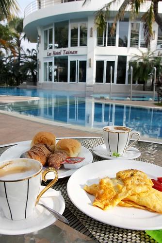 台南商務會館悠閒度假-戶外用早餐