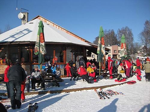 Lyžujte 6 hod. v lyžařském areálu HLINSKO se slevou 40 % kdykoli v sezóně 2014/15