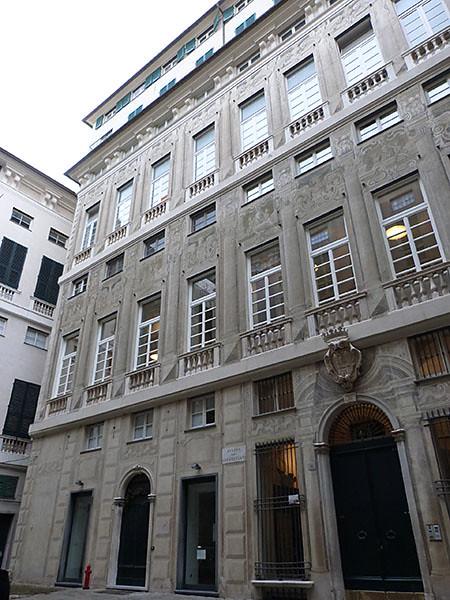 façade palais dei giustiniani