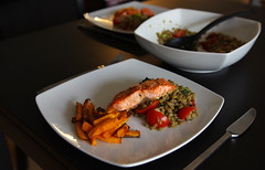 Salmon with lentils and batata chips