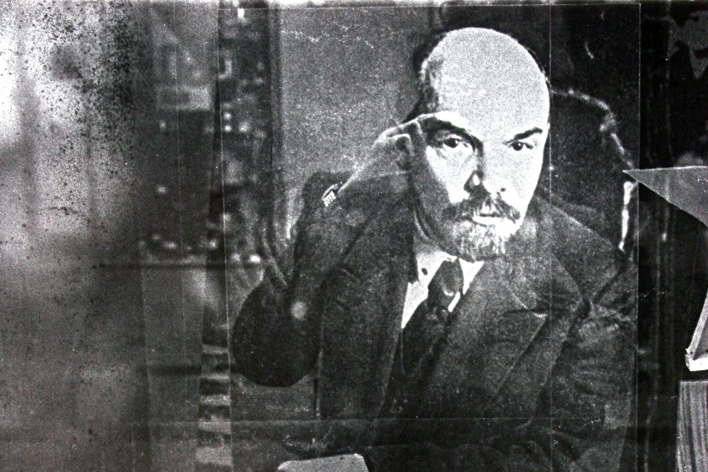 000_Lenin_Bruntál_1980_6x9