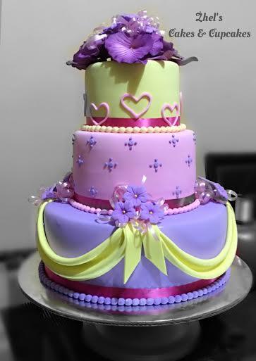 Hazelponie De Leon's Stylish Cake