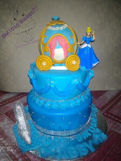 Cinderella Theme Cake by May Arnaiz