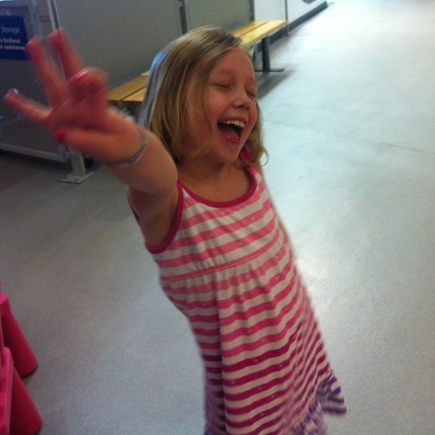 Hey, Liliana, how many friends did you make in the play area?