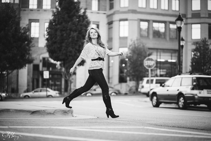 Sidewalk_walkin