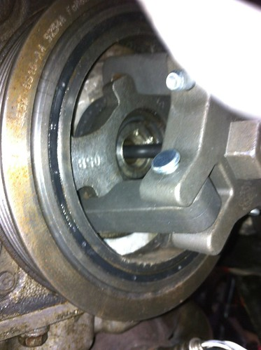 Replacing the front oil seal on a 2005 Mazda Mazda6 (V6