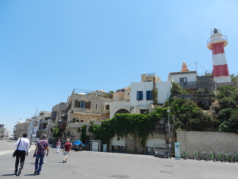 По набережной Яффы