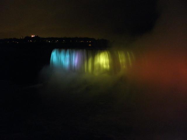 Nasvícené vodopády