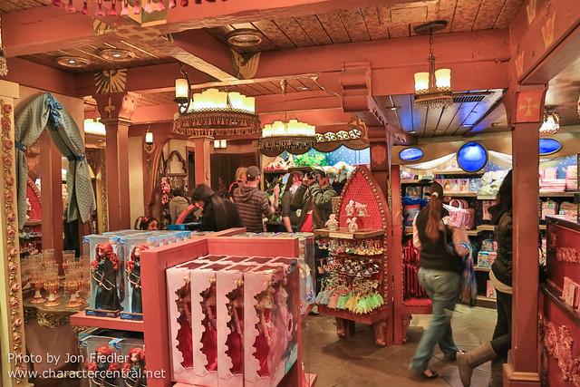 Disneyland Dec 2012 - Wandering through Fantasyland