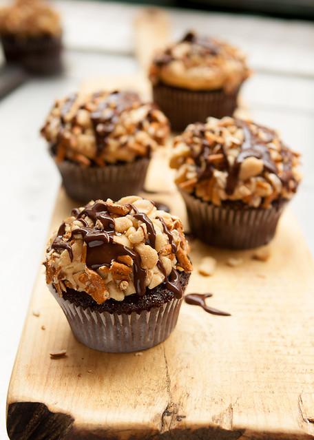 chocolate, peanut butter & pretzel cupcakes | Flickr - Photo Sharing!