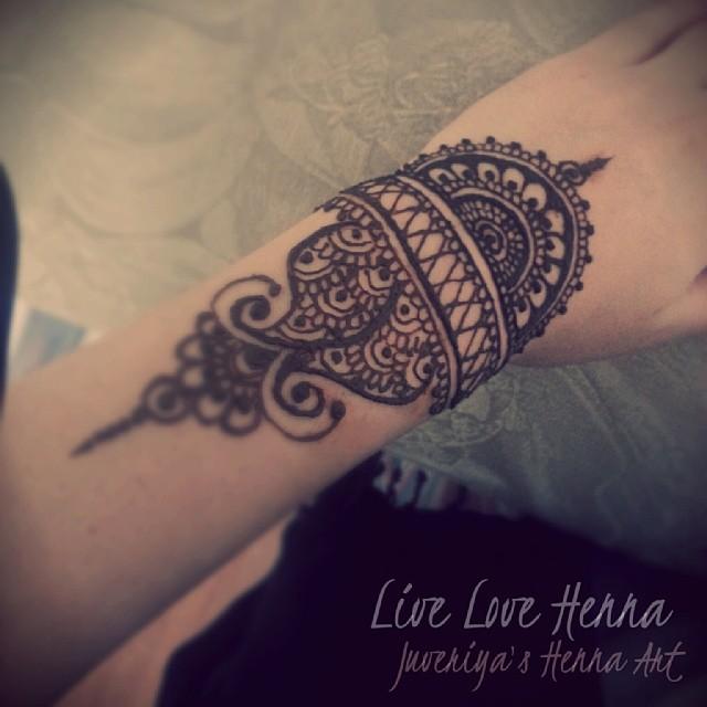 Wrist Tattoos With Mehndi: #wrist #tat #tattoo #henna #hennatattoo #mehndi