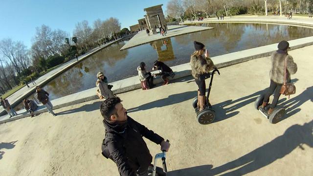 En el templo de Debod Segway tour por Madrid, turismo de futuro - 11694970985 e374dce77c z - Segway tour por Madrid, turismo de futuro